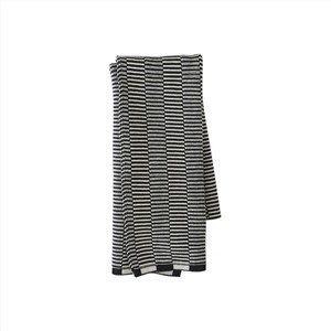 """Image of   OYOY - Håndklæde - """"Stringa Towel"""" - 38 x 58 cm (offwhite/anthracite)"""