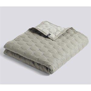 HAY sengetæppe - Polygon sengetæppe i olive 260 x 260