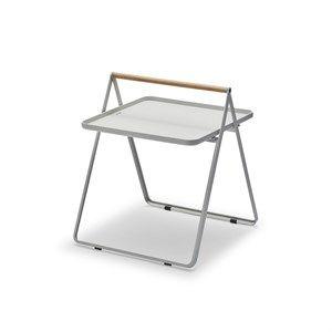 Image of   Skagerak (trip trap) - Ved din side bakkebord - Lyse grå