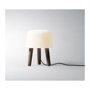 &tradition - Milk Bordlampe - mørkolieret ben